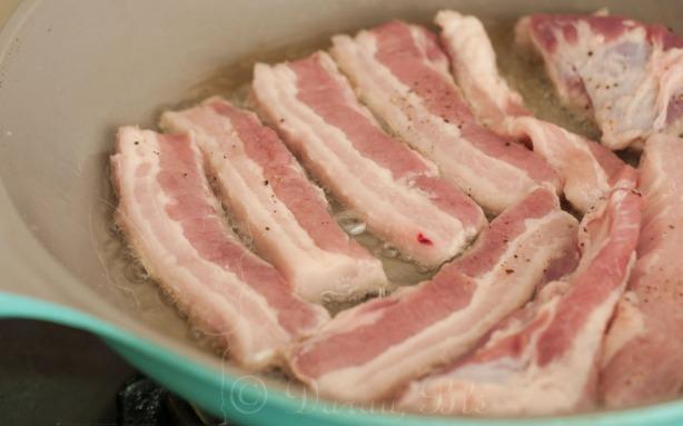 Keptuvėje skrudinama kiaulienos šoninė | Receptai | Darau, blė