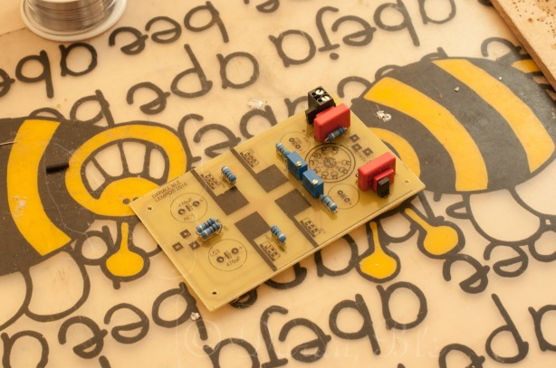 Pradėtos lituoti lempinio hibridinio ausinių stiprintuvo detalės | Elektronika | Darau, blė