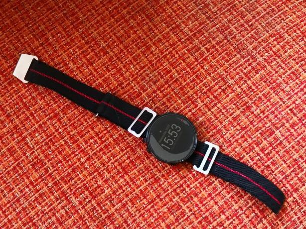 Savadarbis elastinis dirželis ant Polar Vantage M laikrodžio | Darau, blė
